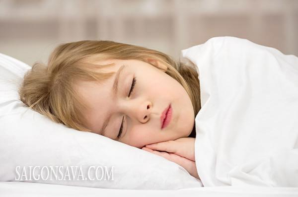 Uống nấm linh chi giúp trẻ ngủ ngon giấc