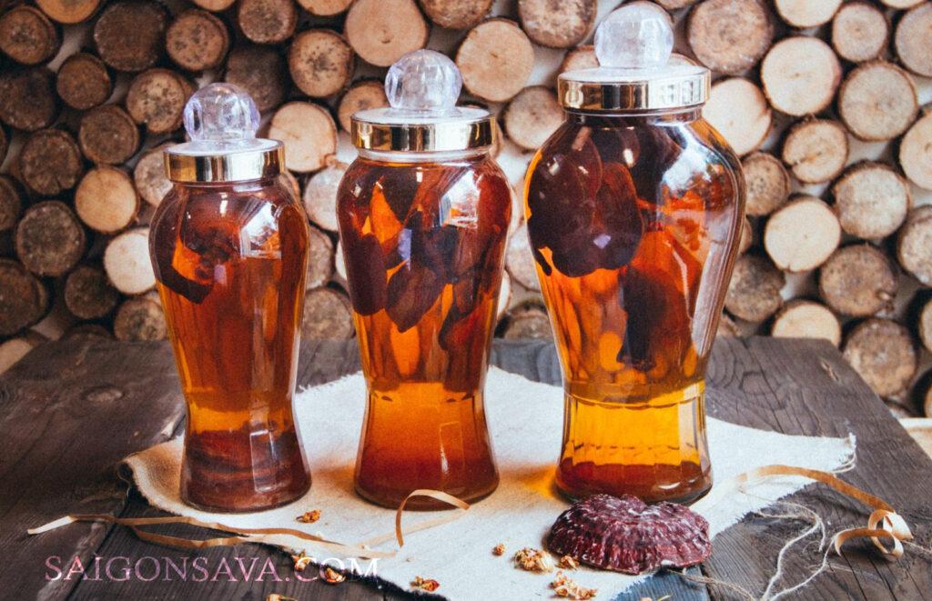 Nấm linh chi ngâm rượu cũng là một trong những cách dùng khá phổ biến cho công dụng tốt sức khoẻ