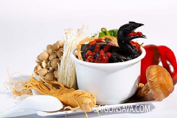 Canh gà hầm sâm củ khô Hàn Quốc